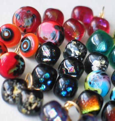Boucles_Oreilles_Lampwork_Fusing_Verre_Ronde_Multicolores_Artisanal